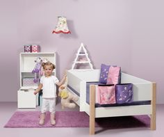 Manis-h is a danish firm that develops and produces children's furniture. Our unique modular system is made for both our beds and storage solutions. Hop in and see our smart furnitures that can be reused through your child's upbringing. Smart Furniture, Kids Furniture, Beautiful Babies, Most Beautiful, Banquette, Smart Design, Kidsroom, Betta, Baby Room