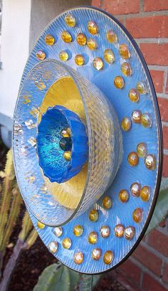Glass Garden Plate Flower. Blue & Gold