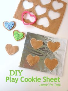 Make these DIY Play Felt Cookie Sheets for you kids felt play food collection! Kids Play Food, Felt Play Food, Children Play, Diy For Kids, Crafts For Kids, Felt Food Patterns, Felt Kids, Craft Activities For Kids, Toddler Activities