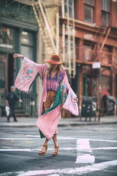Boho kimono perfect for daily outfits Gypsy Style, Boho Gypsy, Hippie Style, Bohemian Style, Style Me, Bohemian Kimono, Hippie Bohemian, Boho Chic, Hippie Chic