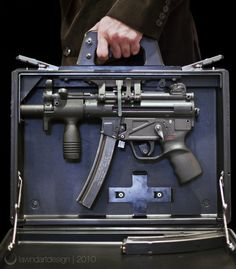 """""""urone:  pandam0n1um:  H&K MP5K Briefcase by isaac_marchionna on Flickr.   (via imgTumble)  """""""