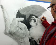 tableau Dessin hyperréaliste  Au crayon sur papier 130cm x 130cm www.a-abyla.com