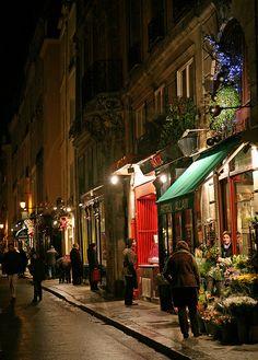 Le Shopping de crépuscule,Rue Saint-Louis-en-l'Île, Paris 4e