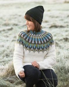 Genser Tia   Knittingroom Pullover, Berlin, Knitting Projects, Tweed, Men Sweater, Vest, Turtle Neck, Sweaters, Handmade
