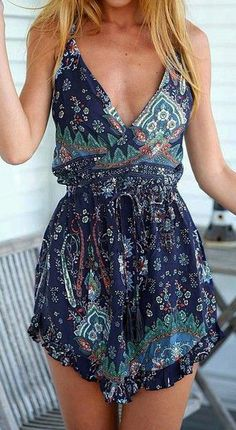 Deep V Floral Romper bohemian boho style hippy hippie chic bohème vibe gypsy fashion indie folk look outfit