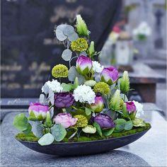 Grave Flowers, Cemetery Flowers, Funeral Flowers, Flower Arrangements, Table Decorations, Plants, Scrap, Home Decor, Floral Arrangement