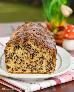 "CHEC CU ""FURNICI""   Diva in bucatarie Sweet Bread, Banana Bread, Fruit Cakes, Desserts, Food, Tailgate Desserts, Deserts, Essen, Postres"