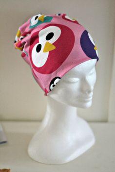 mallikelpoinen: DIY pipon kaava - loistavan helppo tutoriaali! Beanie, Singer, Couture, Sewing, Sweet, Baby, Crafts, Accessories, Candy