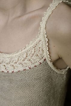 knitgrandeur:  (via A Hint of Lace)
