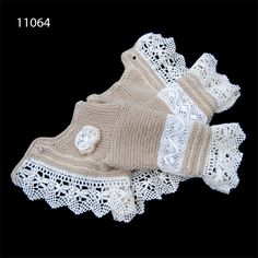 This post was discovered by Ay Crochet Dress Girl, Knit Baby Dress, Baby Cardigan, Knitting Paterns, Baby Hats Knitting, Crochet Fabric, Knit Crochet, Baby Doll Clothes, Baby Dolls