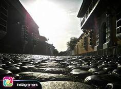 @_villegasm nos comparte esta hermosa imagen en #Coro . .  Una calle que no necesita filtros . .  #instapic #picoftheday #photooftheday #igersvenezuela  #photo #sunrise  #instagood #sunset #falcon #venezuela #sky #igersfalcon #puntofijoguia #paraguana #clouds #venezuelahermosa