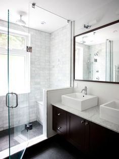 How-To Article | 11 Ways To Make Your Small Bathroom Look Bigger