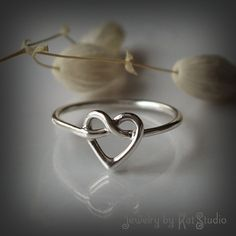 Heart Knot Ring - love knot ring - Infinity Heart ring - Celtic heart knot ring - Recycled Sterling Silver 925 - Jewelry by Katstudio Celtic Heart Knot, Celtic Knot Ring, Cat Ring, Love Knot Ring, Layered Necklaces Silver, Infinity Heart, Infinity Cross, Bridal Jewelry Sets, Bracelets