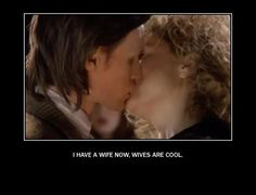 Did I mention i am SO jealous of Alex Kingston!?  No?  Well i'm telling you now!!! LOL