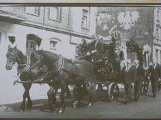 Pogrzeb Józefa Wawrzynka, fragment konduktu z karawanem, 1955 rok, Piekary Śląskie -Szarlej