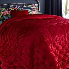 Crafted with a velour finish giving it a soft, velvety sheen, this red velvet bedspread brings glamour and comfort to your bed linen. Complete with a simple qui. Red Comforter, Velvet Bedspread, Red Bedding Sets, Duvet Bedding Sets, Dorm Bedding, Velvet Bedroom, Teen Girl Bedding, Red Rooms, Gothic Home Decor