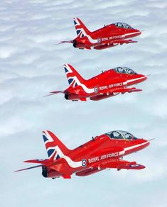 Red Arrow Plane, Raf Red Arrows, Air Fighter, Fighter Jets, Fighter Aircraft, Military Jets, Military Aircraft, Avion Jet, South African Air Force