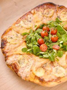Pizza aux 3 fromages - Recette de cuisine Marmiton : une recette