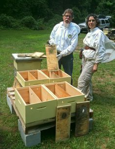 Preparing Honeybee Winter Nucs #2