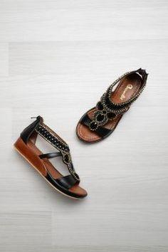 Bambi Siyah Kadın Sandalet https://modasto.com/bambi/kadin-ayakkabi-sandalet/br2362ct19