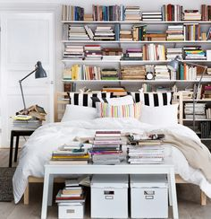 a library bedroom - awesome!