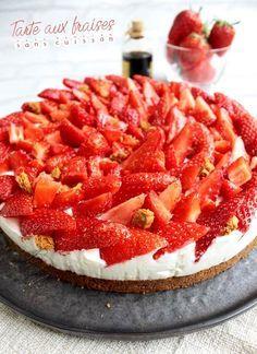 Tarte aux fraises sans cuisson 270g de speculoos 100g de beurre 250g de mascarpone 2X25cl de crème liquide entière (chantilly) fraise, framboise, mangue