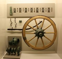 Possible appearance of the wheel of the chariot found in the Vix tomb, made using original parts. Museum of National Antiquities in Saint Germain en Laye.