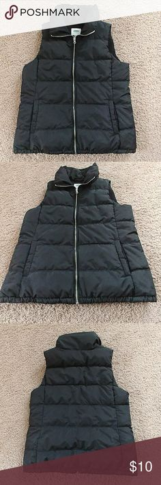 Black Puffer Vest Great Condition. Only worn a few times. Old Navy Black Puffer Vest. Size Large Old Navy Jackets & Coats Vests