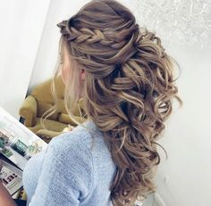 Pretty Half up half down hairstyles - Pretty partial updo wedding hairstyle is a great options for the modern bride from flowy boho and clean contemporary cute bridal hair styles Wedding Hair Down, Wedding Hair And Makeup, Half Up Half Down Wedding Hair, Wedding Half Updo, Wedding Hair With Braid, Braided Half Up Half Down Hair, Wedding Curls, Half Updo With Braid, Romantic Wedding Hair
