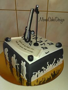Guitar and microphone cake