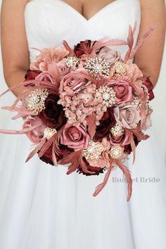 Gold And Burgundy Wedding, Dusty Rose Wedding, Rose Wedding Bouquet, Bridesmaid Bouquet, Champagne Wedding Flowers, Gold Wedding Bouquets, Bridal Bouquet Fall, Bridesmaids, Gold Bouquet