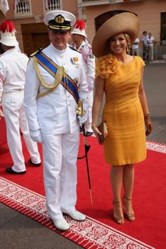 Princess Maxima's style as she prepares to become Queen of the Netherlands - Maxima was a ray of sunshine as she turned out to celebrate the Monaco royal wedding in an elegant, orange dress with rosette detailing Nassau, Posh And Becks, Prince Albert Of Monaco, Wedding Anniversary Photos, Estilo Real, Queen Pictures, Princess Charlene, Queen Maxima, Orange Dress