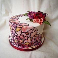 https://www.facebook.com/CakeDecoratingClub/photos/a.392108160835708.88384.166164776763382/867187289994457/?type=1