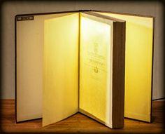 Alte Bücher als Lampenschirme - erstaunliche Wand- und Tischlampen