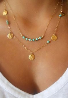 This turquoise beaded, layered necklace is totally adorable! #womensfashion