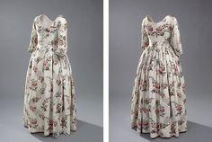 Engelsk kjole, 1780'erne, kjole i kattun med store blomster.  med pdf mönster