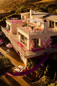 Welcome to the Barbie Malibu Dreamhouse! - Villas for Rent in Malibu, California, United States Dreamhouse Barbie, Barbie Malibu Dream House, Malibu Barbie, Design Hotel, Barbie Life, Barbie Barbie, Barbie Gowns, Barbie Clothes, Airbnb Host