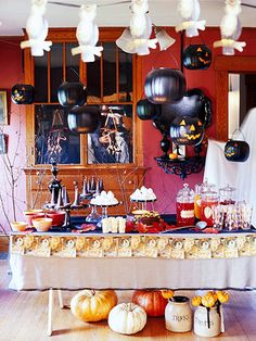 Decorating for an Old-Fashioned Halloween Party