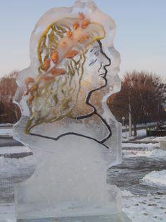 Nyírbátori Várkastély előtti jégszobrászati Kiállításon Mátyás Király arcképe--Kné. A.