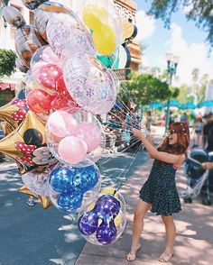 Que comece a magia da Disney!! ✨ Aaaah, môdeus!! Dá vontade de chorar o tempo todo aqui! #BiFeDeFérias #BiaEmOrlando #BiaNaDisney