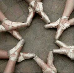 Pointe, I wanna do this when I get into pointe. If I had that many friends in dance ...