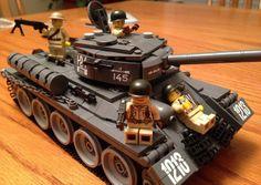Soviet T34 WWII Lego tank Lego Duplo, Lego Cars, Lego Ww2, Lego Knights, 4x4, Lego Mecha, Lego Room, Cool Lego Creations, Lego Projects
