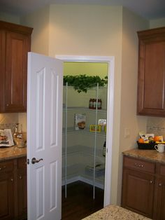 Image detail for -Corner pantry Images Corner pantry Pictures & Graphics - Page Modern L Shaped Kitchens, L Shaped Kitchen Designs, Corner Kitchen Pantry, Kitchen Pantry Cabinets, Kitchen Reno, Pantry Shelving, Pantry Storage, White Pantry, Houses