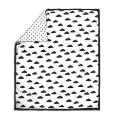 Peanut Shell Quilt - Black and White Clouds