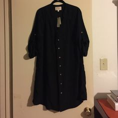 Skies are Blue shirt dress, bnwt, black Size M, shirt dress w/8 buttons in front. Sleeves roll up & are buttoned as well. Color is black. The belt loops (2) are broken as reflected in the last pic. The thread can be cut. Skies are Blue Dresses Long Sleeve