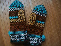 Pattern generously gifted to Solveigs Vantar Solveig's Mittens group by Solveig Larsson herself In January 2015.