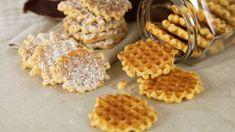 Kjeks laget i vaffeljern! - MatStart Recipe Boards, Cake Cookies, Food Porn, Food And Drink, Sweets, Snacks, Baking, Breakfast, Desserts