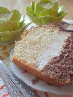 Uwielbiam to ciasto! Metrowca zawsze piekę na Święta Wielkanocne zamiast tradycyjnej babki. Wspaniałe, wilgotne czarne i białe ciast...