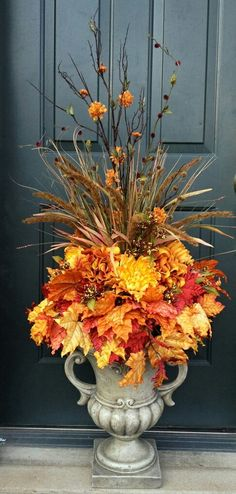 fall urn ideas for front porch . fall urn ideas for front porch Front Door Christmas Decorations, Thanksgiving Decorations, Fall Church Decorations, Front Porch Fall Decor, Fall Porches, Wedding Decorations, Vintage Thanksgiving, Thanksgiving Table, Autumn Decorating