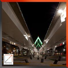 Vista nocturna Puente Matute Remus.  Diseño Arq. Miguel Echauri y Arq. Álvaro Morales.  Fotografía Carlos Díaz Corona.